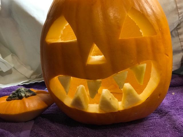 Finished+Pumpkin+for+Jack-O-Lantern+teeth+craft